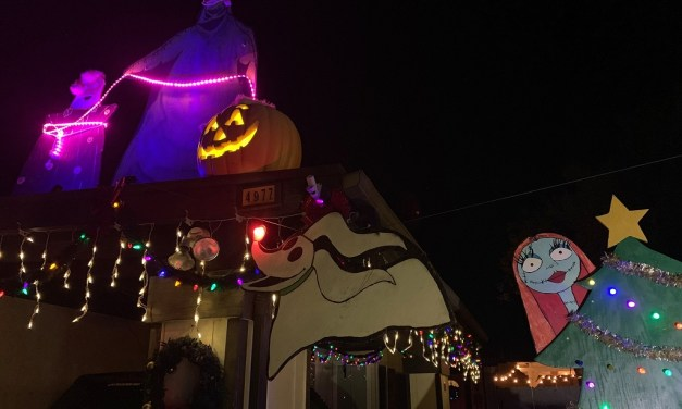 CHRISTMAS TRADITION   Camarillo family gets in holiday spirit for public to enjoy, special event Dec. 15