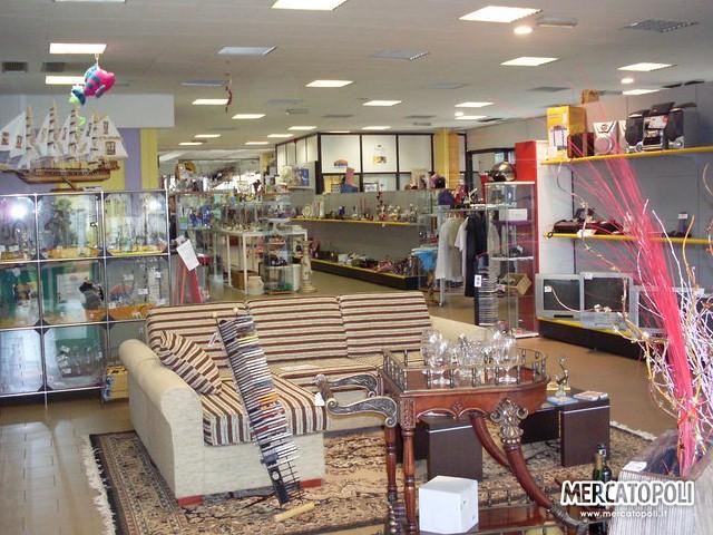 Mercatopoli e l 39 esperienza di vendita e acquisto usato con for Mercatino usato l aquila