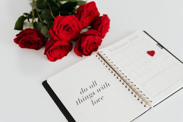 agenda planner con rose rosse