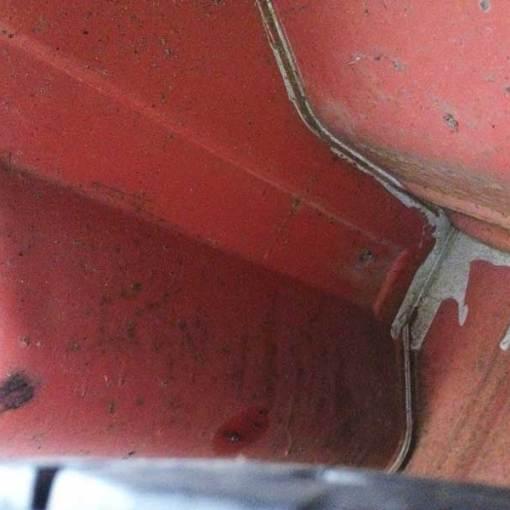 front wheel arch – original paint, original seam sealer, amazing condition!