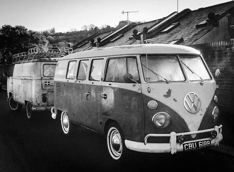 attracted a VW bus buddy on this mornings cold start