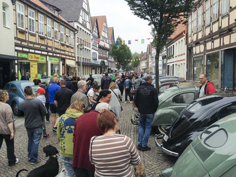 the streets of Hessisch Oldendorf soon filled with people of all ages to see the vehicles on display