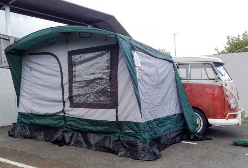 Just Kampers (I believe) Spacemaker retro style, 4 berth drive away awning for sale