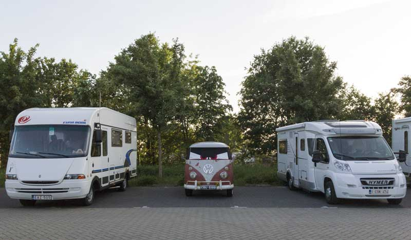 mixing it up with the big old motorhomes… less is more
