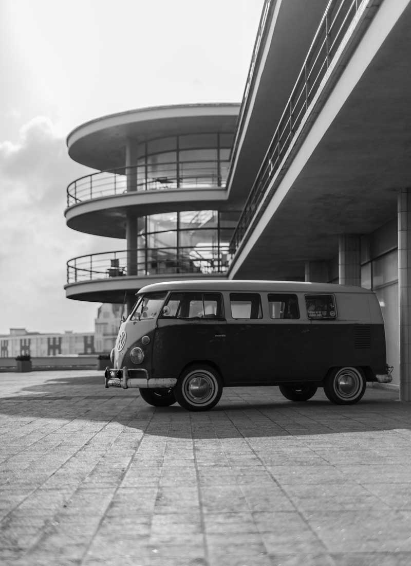 architecture and automobiles… a perfect combination