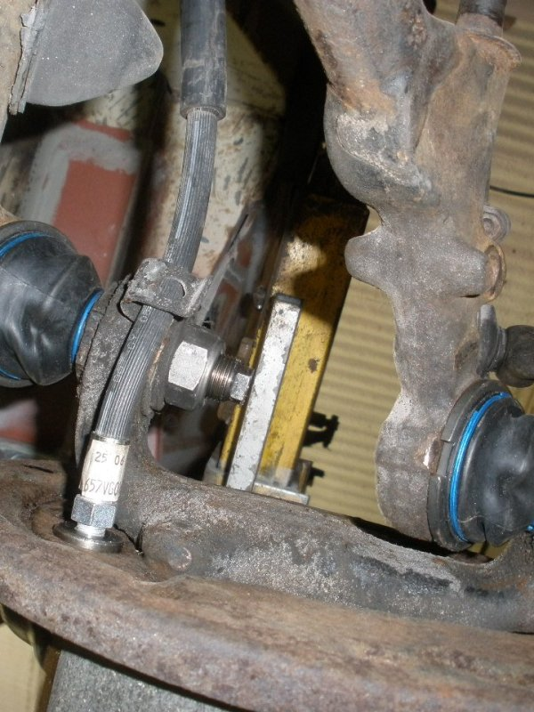 front brakes, flexi hoses and ball joints now sorted