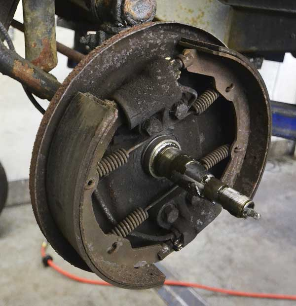 Front brakes looked like they had not seen attention for some while…
