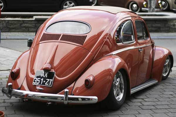 cool oval ragtop beetle with rear pop out windows