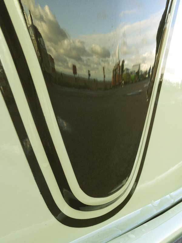 really nice pin striping detail