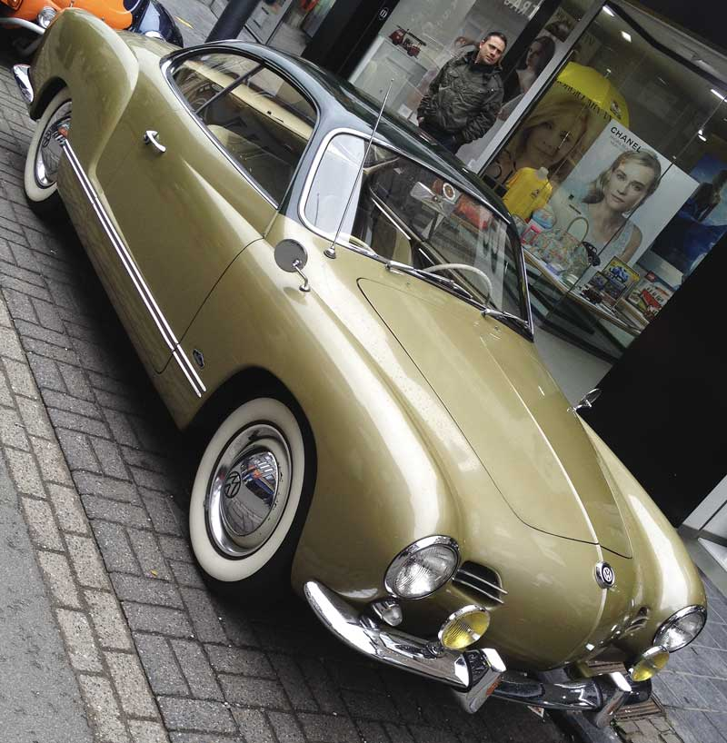 loving the two tone paint combo on this stunning looking Karmann Ghia