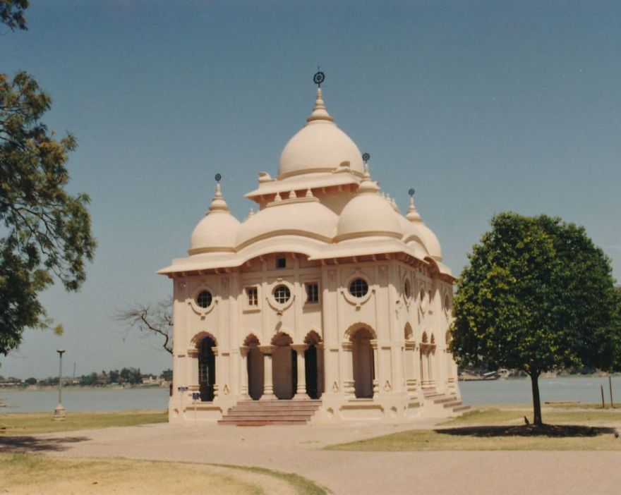 19 Swami Brahmananda Temple at Belur Math - Photo 2