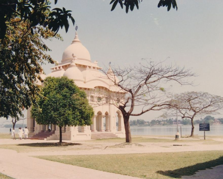 20 Swami Brahmananda Temple at Belur Math - Photo 3