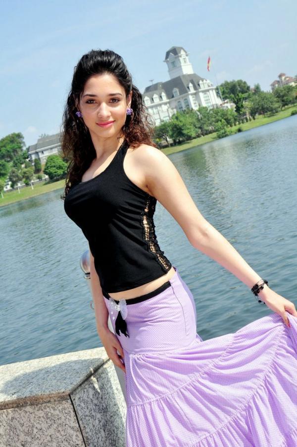Cute Tamanna Bhatia Hot Stills