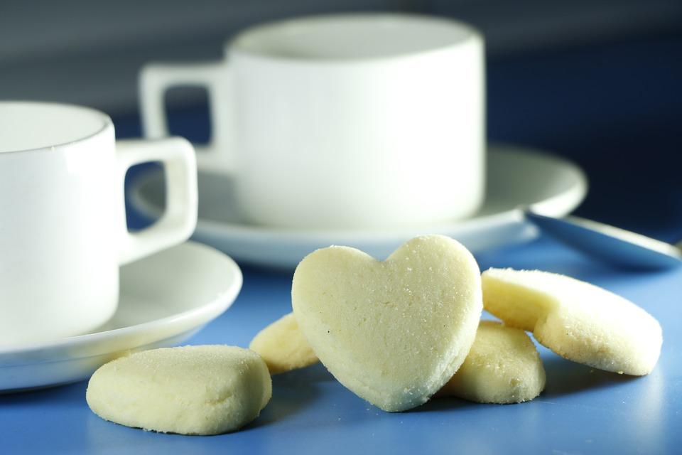 ประเภทของนม ที่ใช้ทำเบเกอรี่ มีกี่ประเภท เหมาะกับเค้กประเภทใดบ้าง