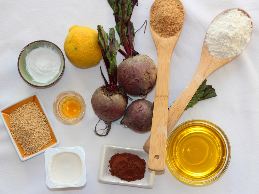 Ingredientes para hacer el bizcocho de la tarta de remolacha