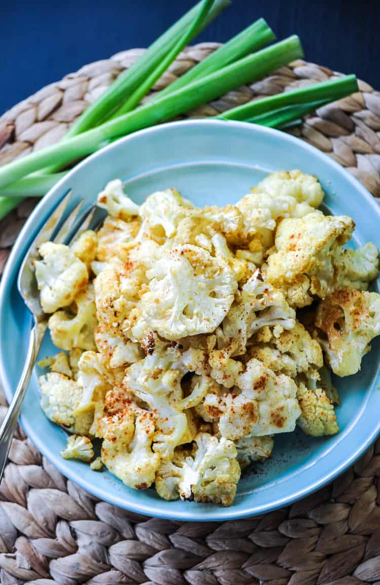 Easy Cheesy Baked Vegan Cauliflower http://www.veganblueberry.com