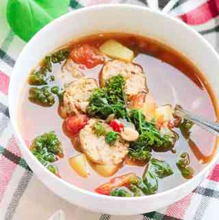 Amazing Vegan Italian Sausage Soup with White Beans and Kale https://www.veganblueberry.com
