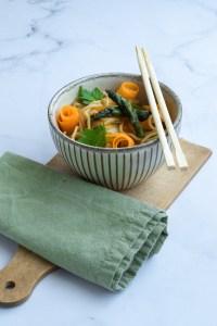 Pad Thaï de printemps - cuisine thai végétalienne