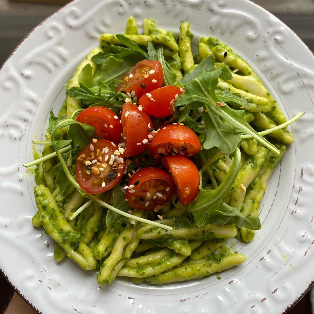name a better duo than cherry tomatoes and pesto ok how abo display image  183d115a