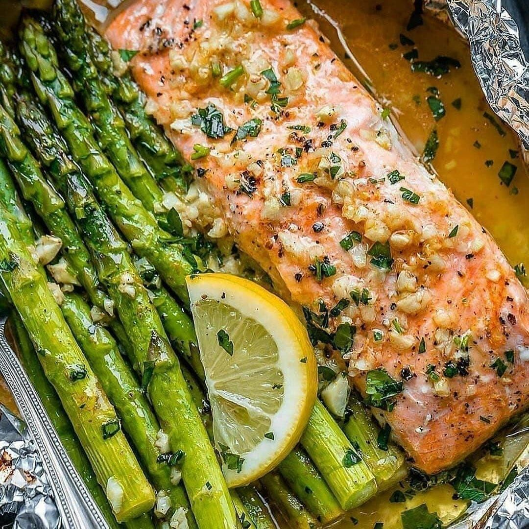 baked salmon and asparagus in foil w lemon garlic butter sa display image  1f7dcc77