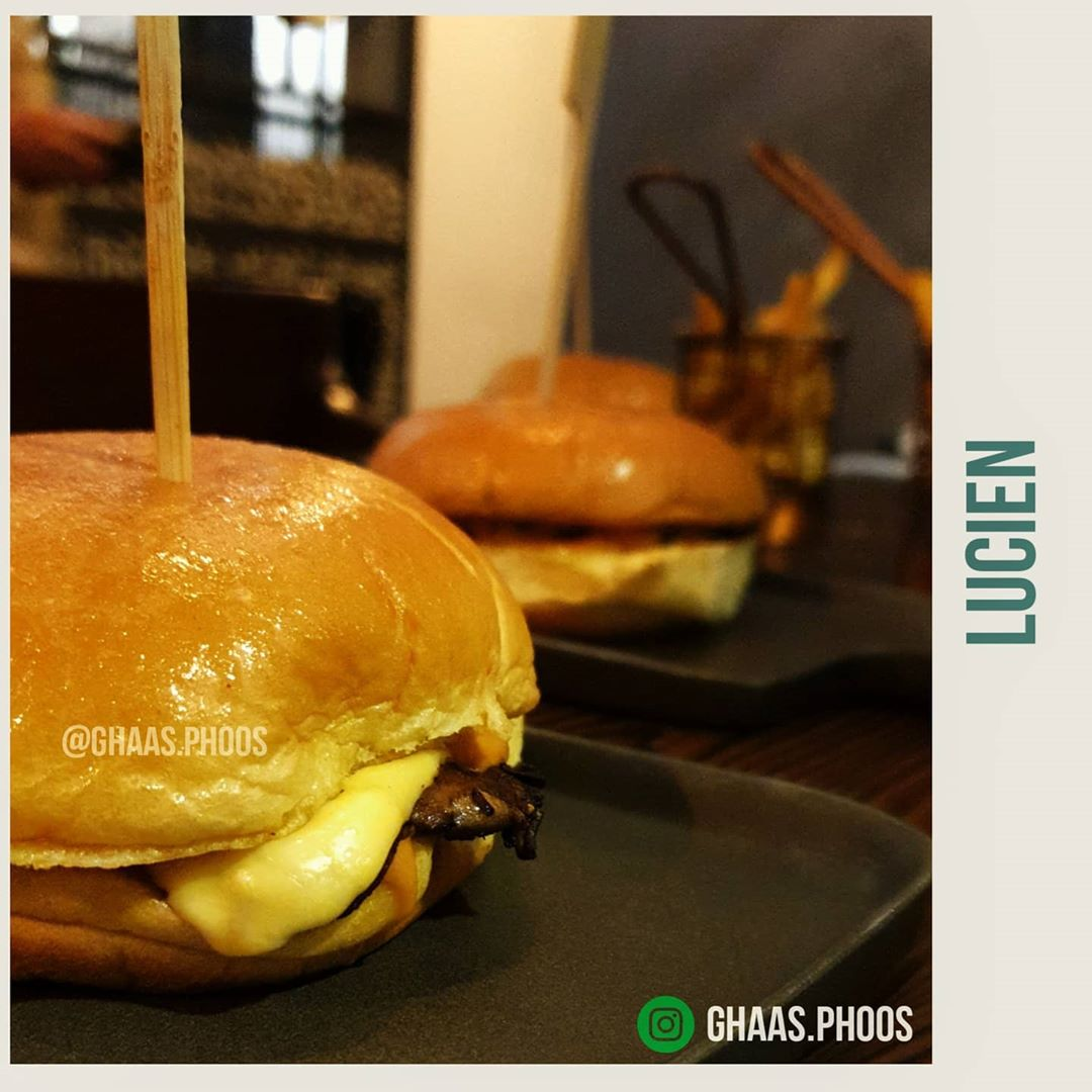 turns out magic is possible it happens at burgerseigneur display image  e0c091ec