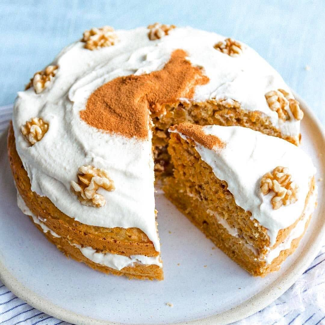 healthy vegan carrot cake with cashew vanilla icing by heal display image  d7028040