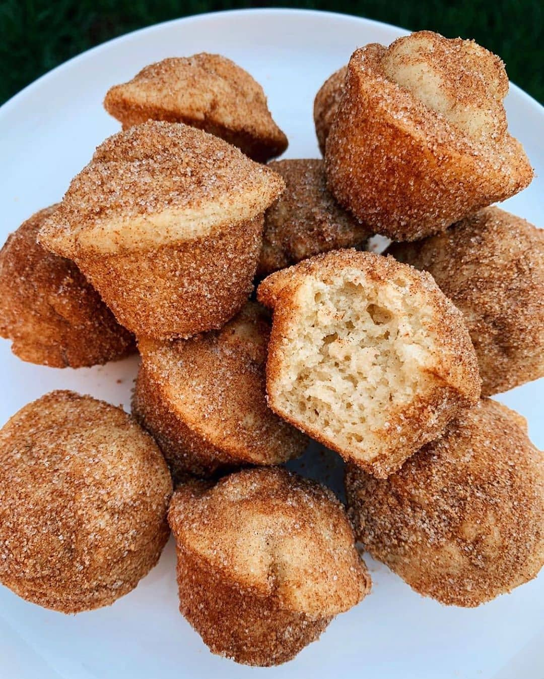 the most delicious and easy to make mini cinnamon sugar donu display image  88d40c35