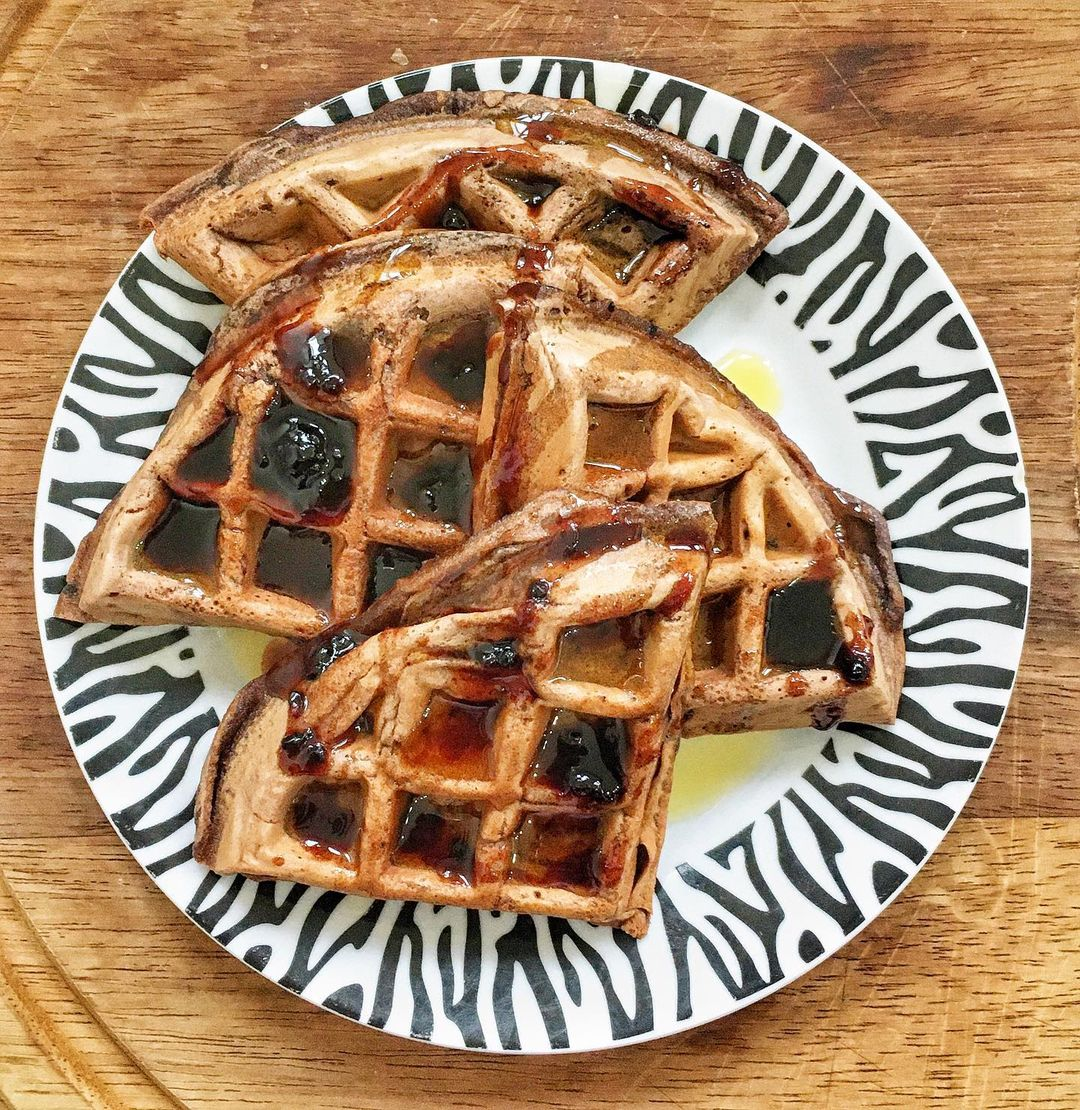 chocolate protein waffles multip img 0 5e929bf1