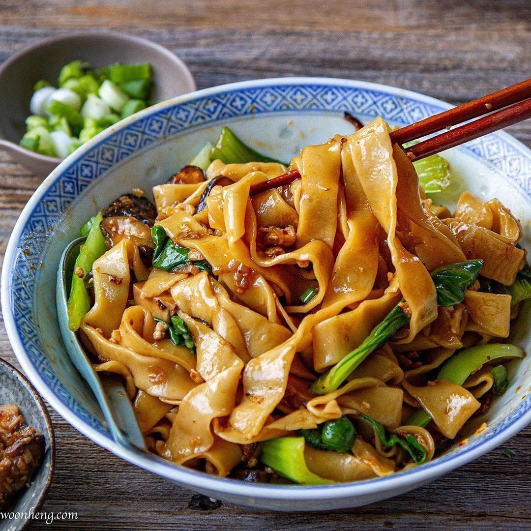 handmade noodles with scrumptious sauce by woonheng display image  7b938970