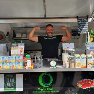 Vegane Events Foodtrailer Hier kocht Alex