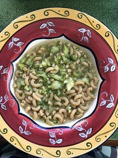 broccoli and macaroni soup