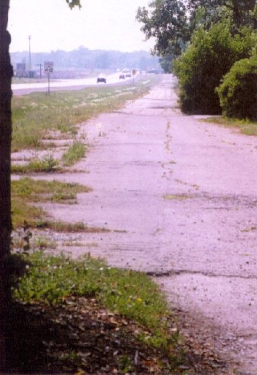 Old Lincoln Highway pavement in Frankfort Photo by Ruth Frantz