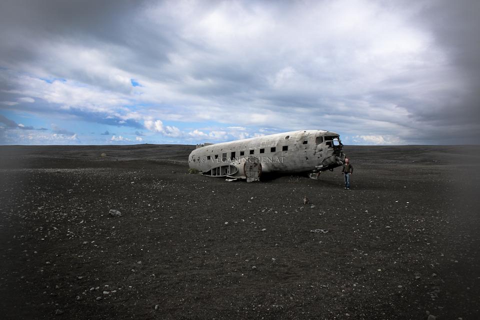 Sólheimasandur's black sand beach Flugzeugwrack Island