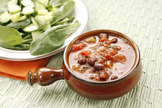 Vegan chili with salad