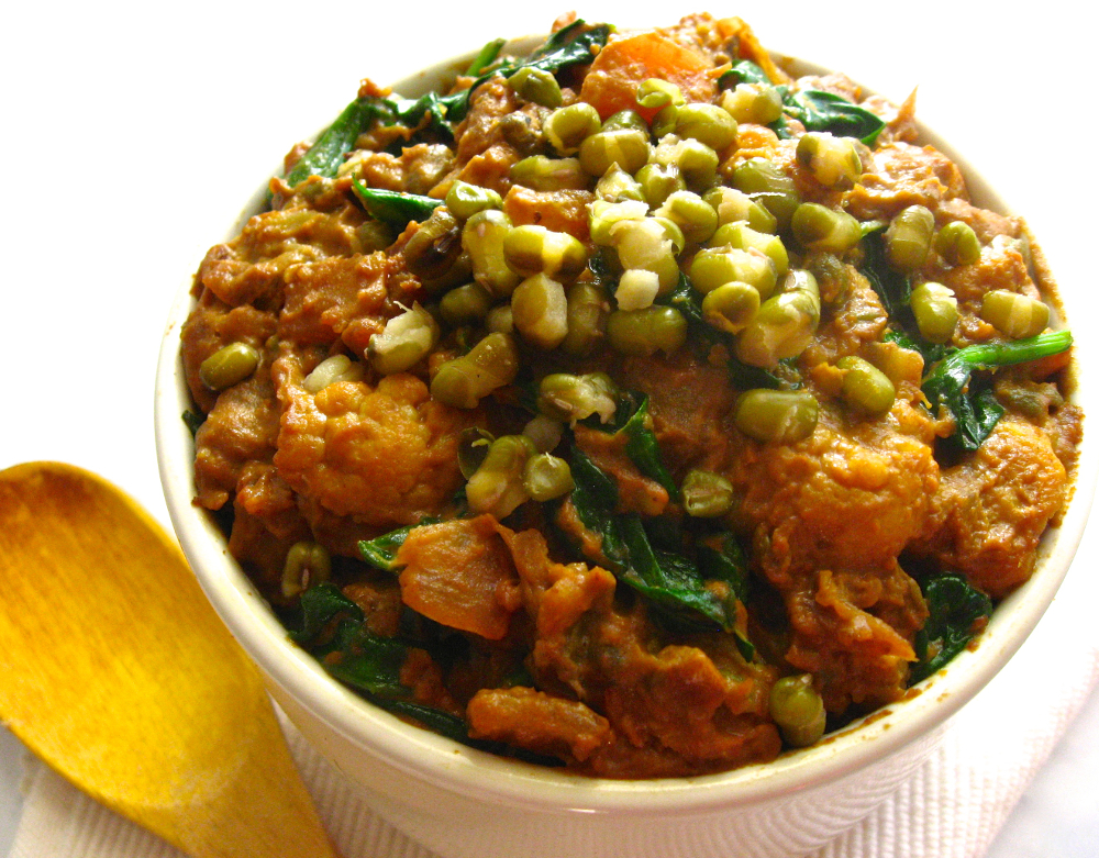 Mood-Boosting Squash, Cauliflower and Mung Beans Curry veganprogram