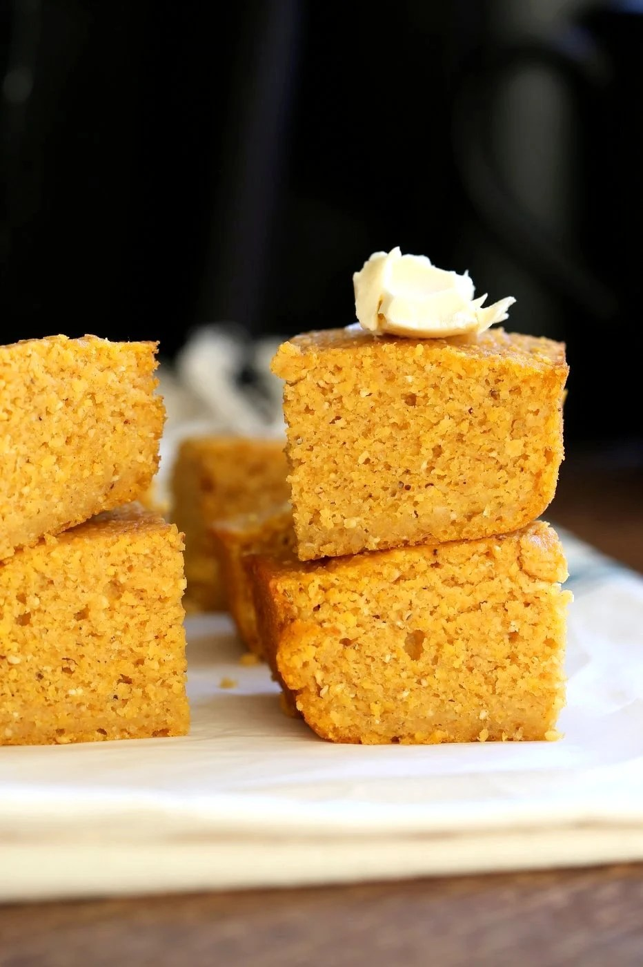 1 Bowl Vegan Pumpkin Corn bread with a few ingredients. Spiced, lightly sweet and great with soups, chilis or on its own with vegan butter and maple syrup or make sandwiches with it. #Vegan #Soyfree #Recipe. #veganricha | VeganRicha.com