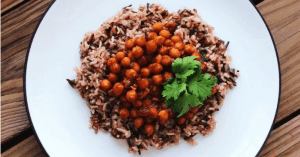 Barbecue chickpeas and rice - an easy vegan dinner recipe
