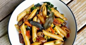 Easy vegan recipe - Balsamic Pasta with vegetables and vegan sausage