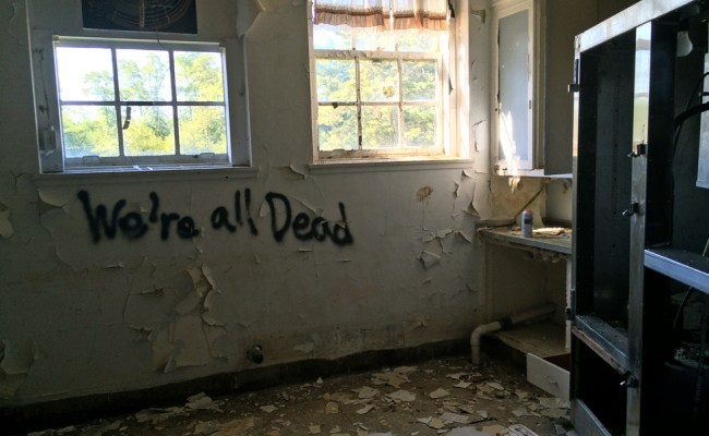 Exploring Nassau County Sanitorium, abandoned Tuberculosis hospital