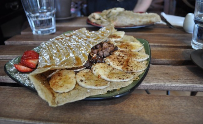 Vegan in Toronto, Part 2: Hibiscus Sweet & Savory Crepes and Heavenly Bunners