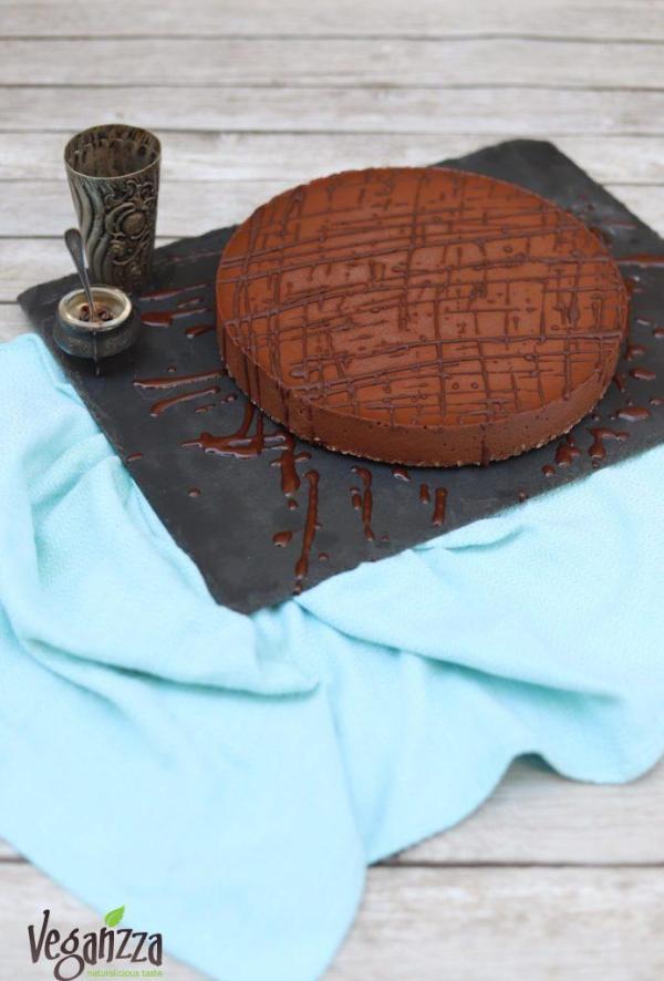 Tort raw de ciocolata
