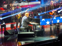 Elton John - Million Dollar Piano