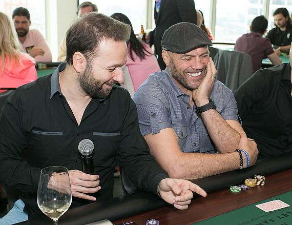 Daniel Negreanu gives poker advice to Randy Couture
