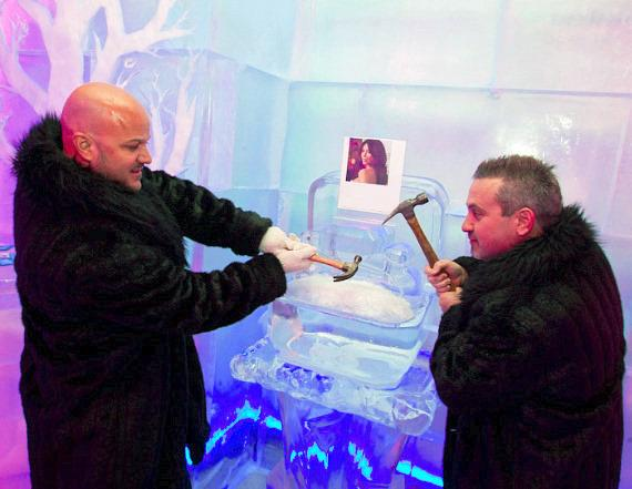 Kardashian Ice Ring Removed at Minus5 Ice Bar in Las Vegas