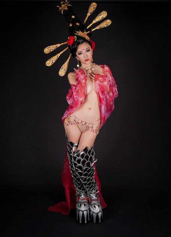 """""""Cyndi G,"""" star of """"Senses"""" rocks out in famous KISS Boots"""