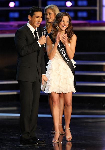 Mario Lopez with Miss America Katie Stam at 2009 Miss America Pageant