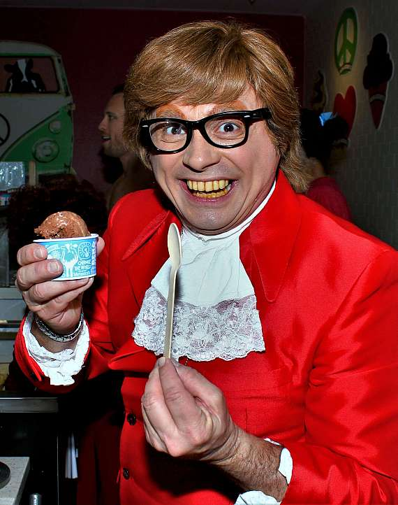 John Di Domenico as Austin Powers