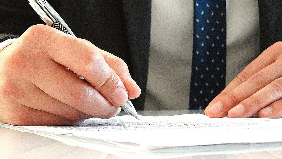 The Top Factors That Affect an Attorney's Rates