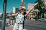 Carefree,Girl,Tourist,In,Las,Vegas,Destination,Wearing,Sunglasses,And