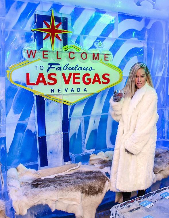 Minus5 Ice Experience Honors 'Sex Tips for Straight Women from a Gay Man' Starring Kendra Wilkinson and Jai Rodriguez with Fruity Cocktail